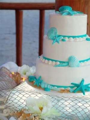 Five Best Wedding Cake Ideas for a Fabulous Cayman Christmas Beach Wedding