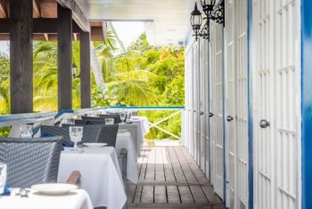 Outdoor Dining in the Cayman Islands - The Wharf