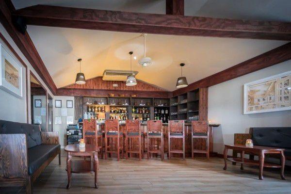 Indoor & Outdoor Bar in the Cayman Islands Image 1