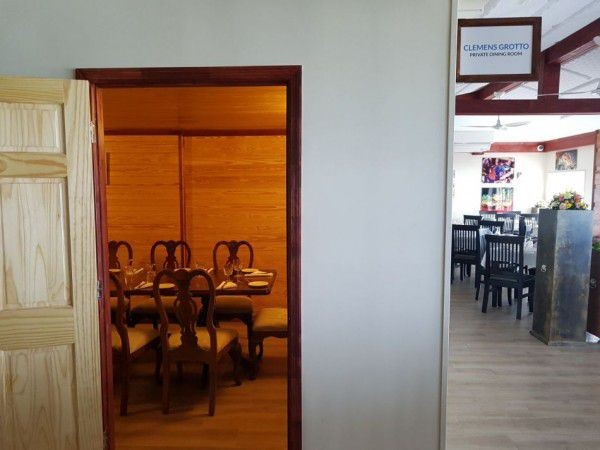 Meeting & Private Dining Room in the Cayman Islands Image 6