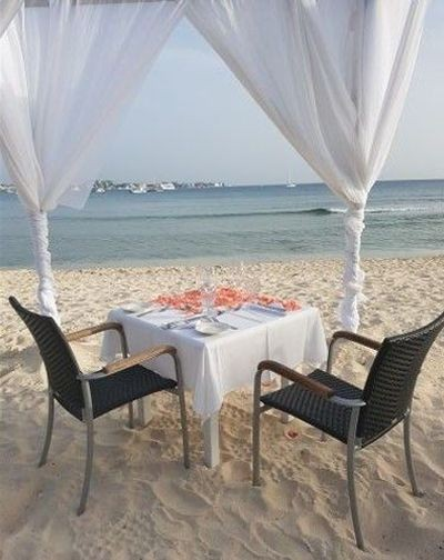 Most Romantic Dining in the Cayman Islands Image 1