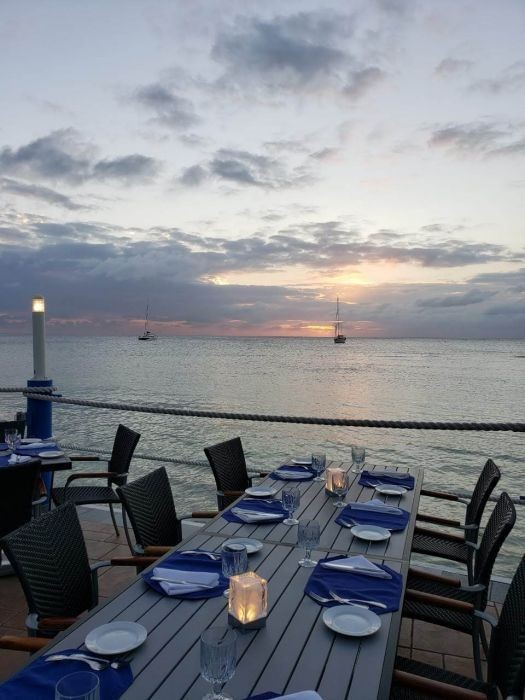 Waterfront Dining in the Cayman Islands Image 13