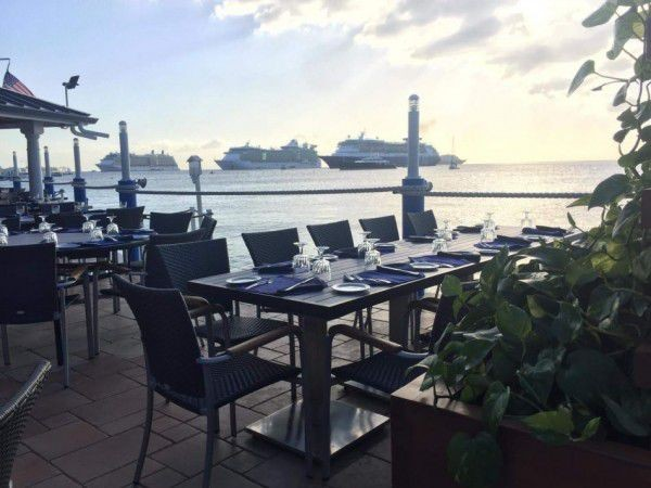 Waterfront Dining in the Cayman Islands Image 16