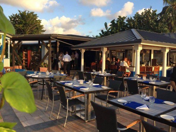 Waterfront Dining in the Cayman Islands Image 20