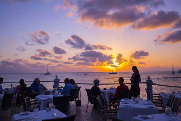 Enjoy your dinner at waterfront restaurant in Cayman Islands – The Wharf