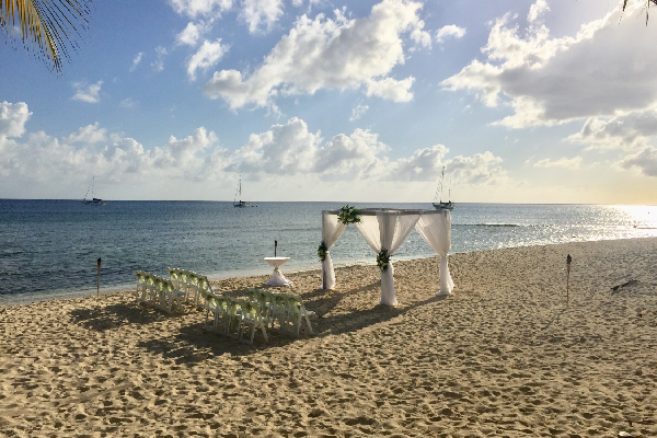 The Wharf: The Cayman Islands' Exclusive Waterfront Wedding Venue