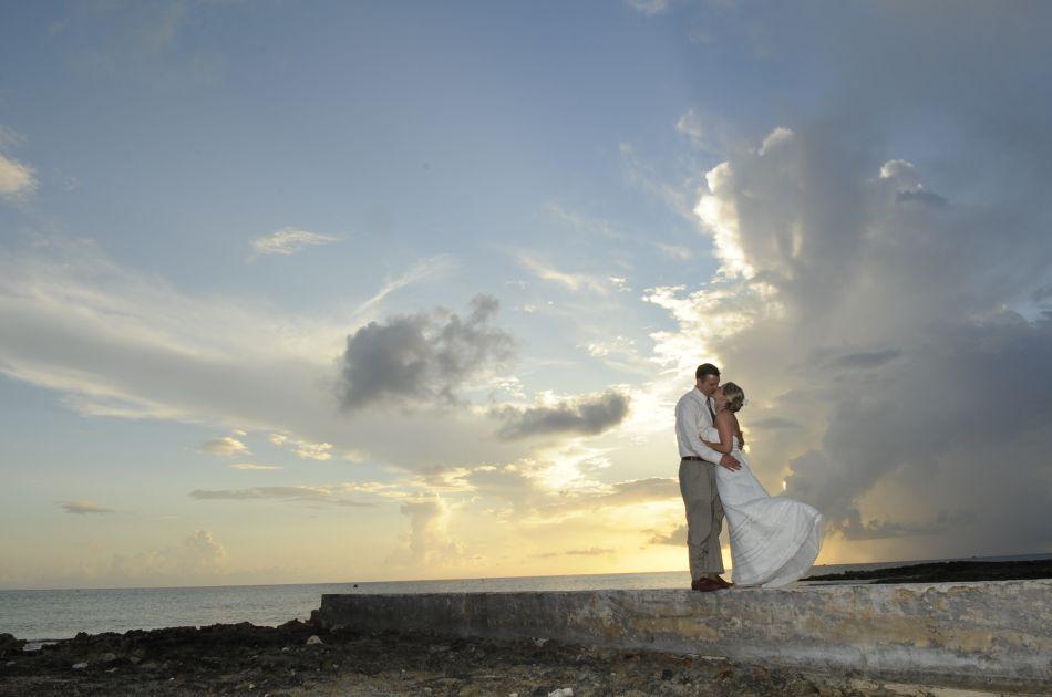 Cayman Islands Wedding Venue Image 13 - The Wharf Restaurant