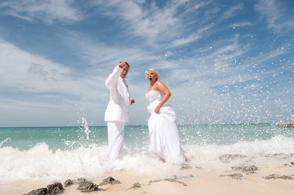Cayman Islands Wedding Venue Image 15 - The Wharf Restaurant