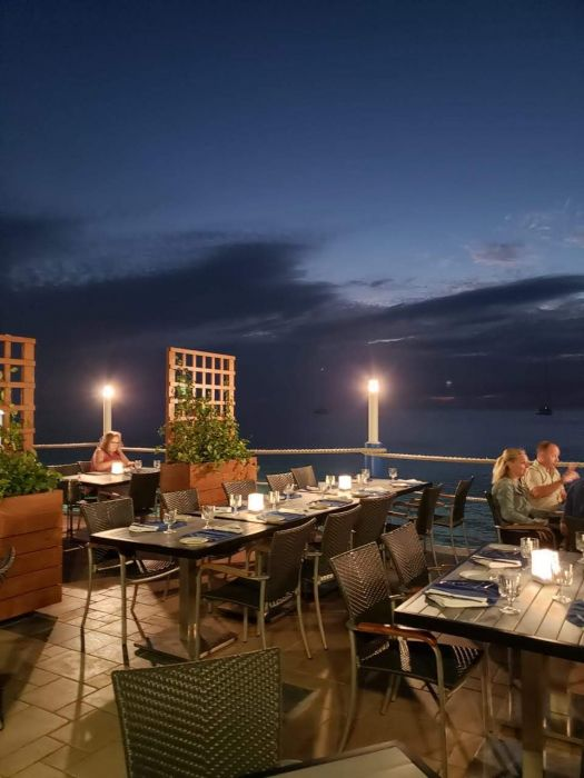 Waterfront & Indoor Dining in the Cayman Islands Image 1